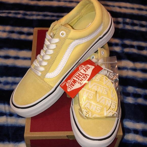 Vans Shoes - Vans old skool pro 🍌